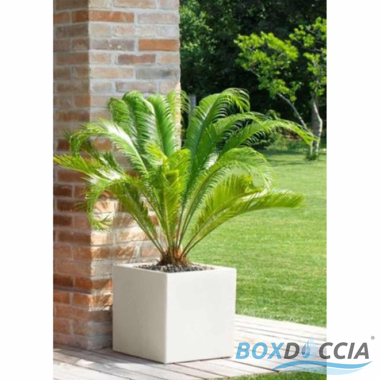 Vaso h40 cm vasi resina moderno quadrato ruvido made in for Trasforma un semplice terreno in un colorato giardino