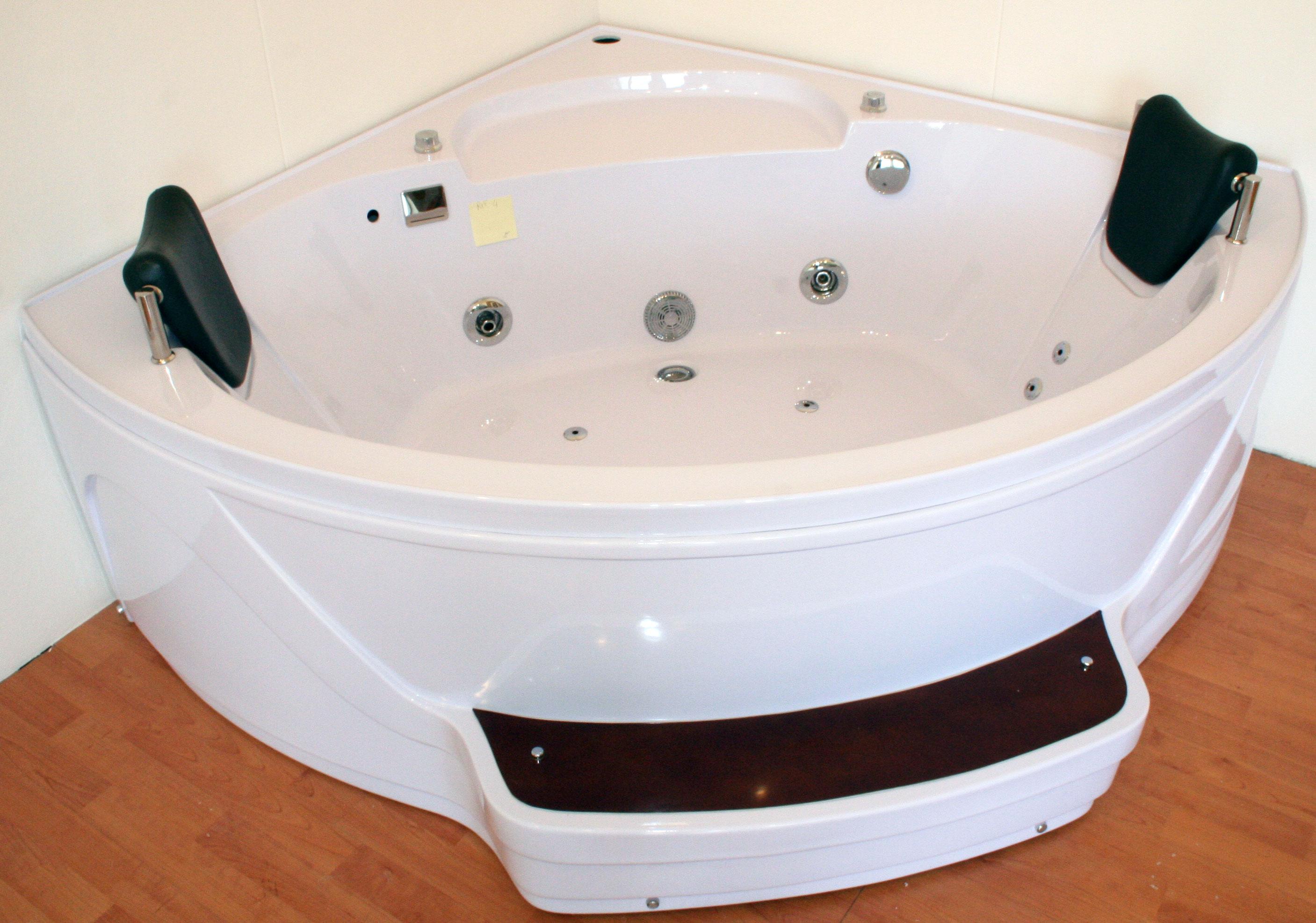 RIF-4. Vasca da bagno 145x145 idromassaggio angolare | Blog Box Doccia